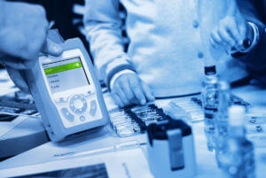 Raman spectroscopy handheld tool scan